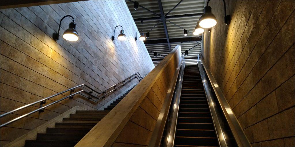 雰囲気ある階段