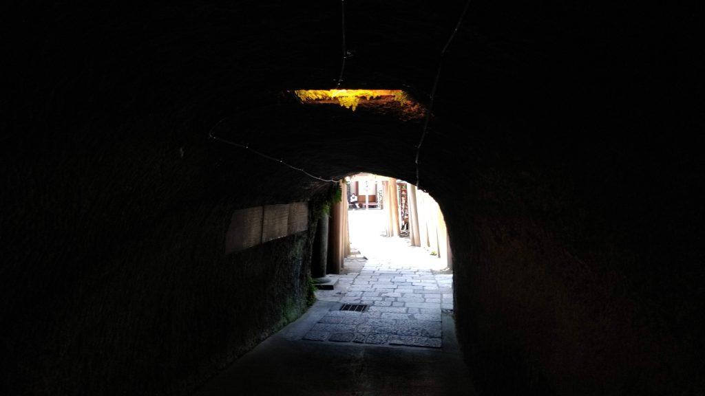 雰囲気のあるトンネル